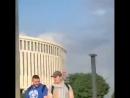 Так выглядят дикари, справляющие нужду на газон у всех на виду перед стадионом. Незадолго до матча «Краснодар - Динамо». Заблюри