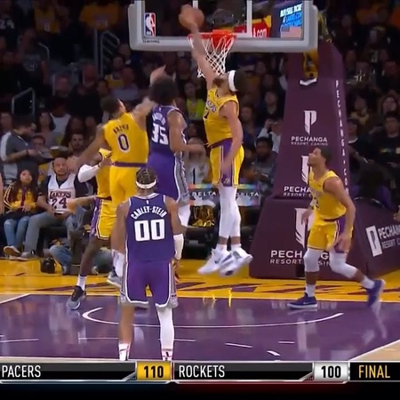 Kuz helps Bagley with the assist 🙃
