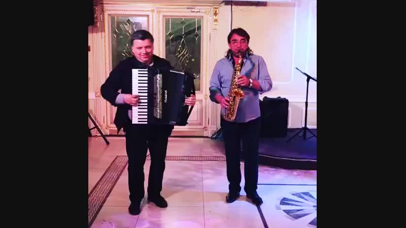 Аккордеон и саксофон на Свободном микрофоне