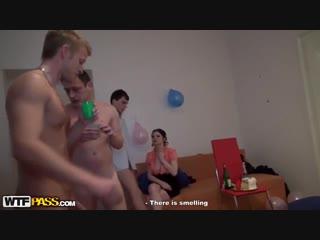 Лучшее оргия студентов день рождение вечеринка групповое