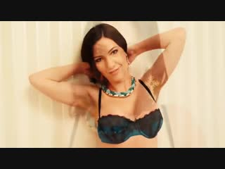 Милашка позирует стройным телом (Эротика со зрелыми женщинами mature MILF Мамки XXX)(hotmoms_18plus)