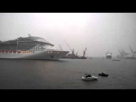 Cruise ship MSC Splendida playing music Корабль играет музыку часть 2