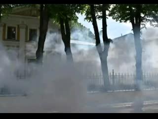 В Москве забросали дымовыми шашками резиденцию патриарха Кирилла