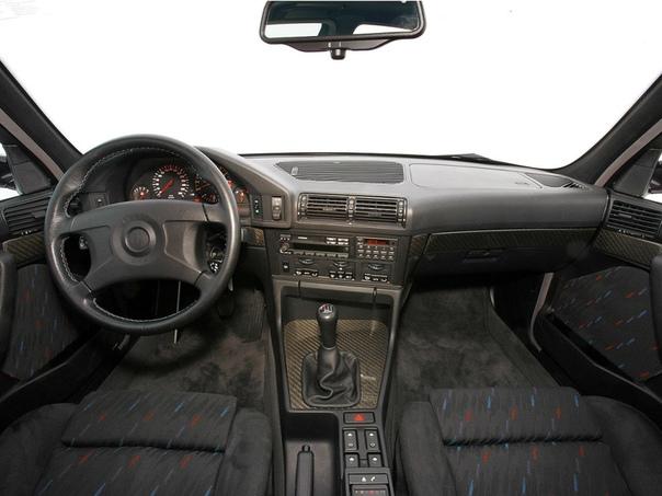BMW M5 Final Evolution (E34) Двигатель: 3.8 R6 Мощность: 340 л.с. при 6900 об./мин. Крутящий момент: 400 Нм при /4750 об./мин.Трансмиссия: Механика 6 ступ. 0-100 км/ч: 5.9 сек Макс. скорость:
