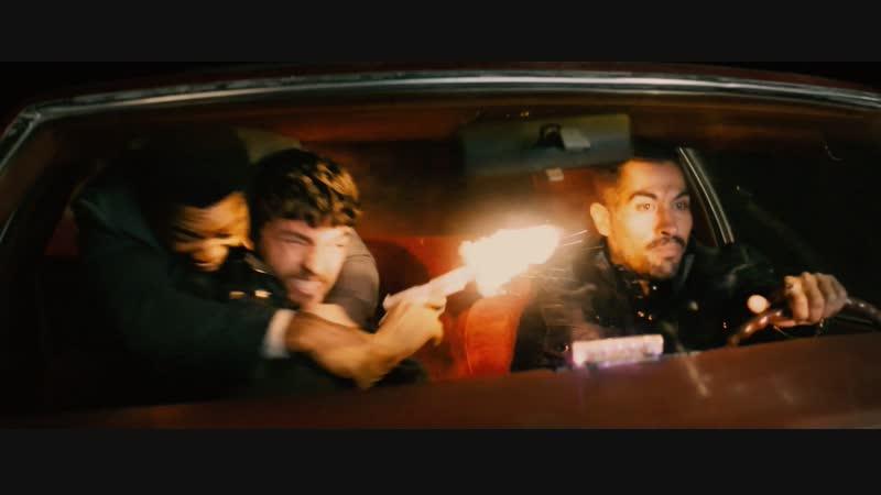 Пристегивать ремень безопасности важно (отрывок из фильма Опасный бизнес)