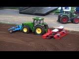 RC Tractors John Deere, Case and Fendt at work! Siku Farmland in Neumu