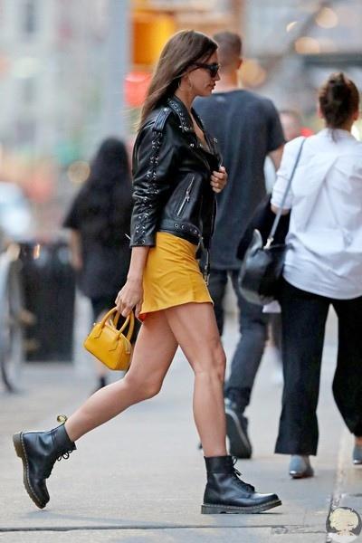 Ирина Шейк на прогулке в Нью-Йорке