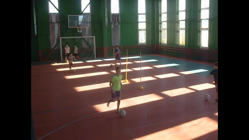 ДФШ Бойцов Team. Упражнение № 19 : футбольное упражнение на контроль мяча и первое касание