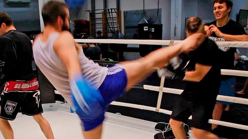 Бойцы избивают Рембо! Жесткая тренировка по ММА - боль, нокдауны и слезы!