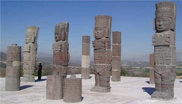 АТЛАТЛЬ - ДРЕВНЕЙШЕЕ МЕТАТЕЛЬНОЕ ОРУЖИЕ. Одной из достопримечательностей мексиканского археологического музея под открытым небом в Туле (город Тула-де-Альенде, штата Идальго) являются четыре