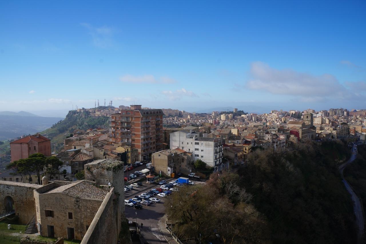 Горная Энна - город посредине Сицилии