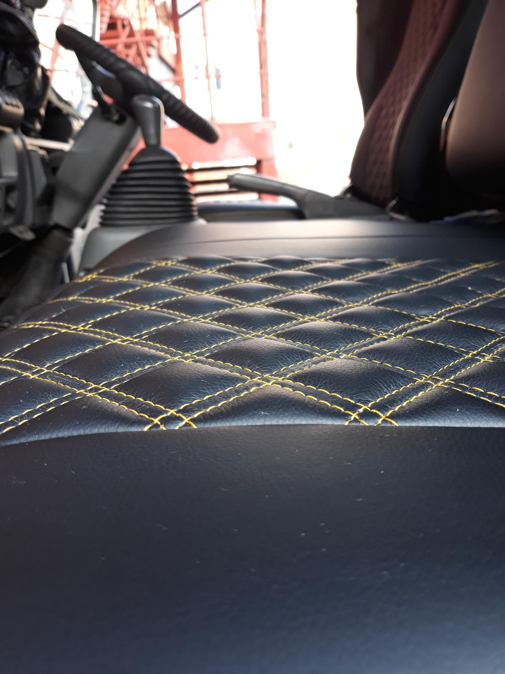 Чехлы на грузовой автомобиль Исузу.