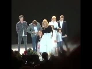 Алла Пугачева с семьей на своем юбилейном концерте в Кремле