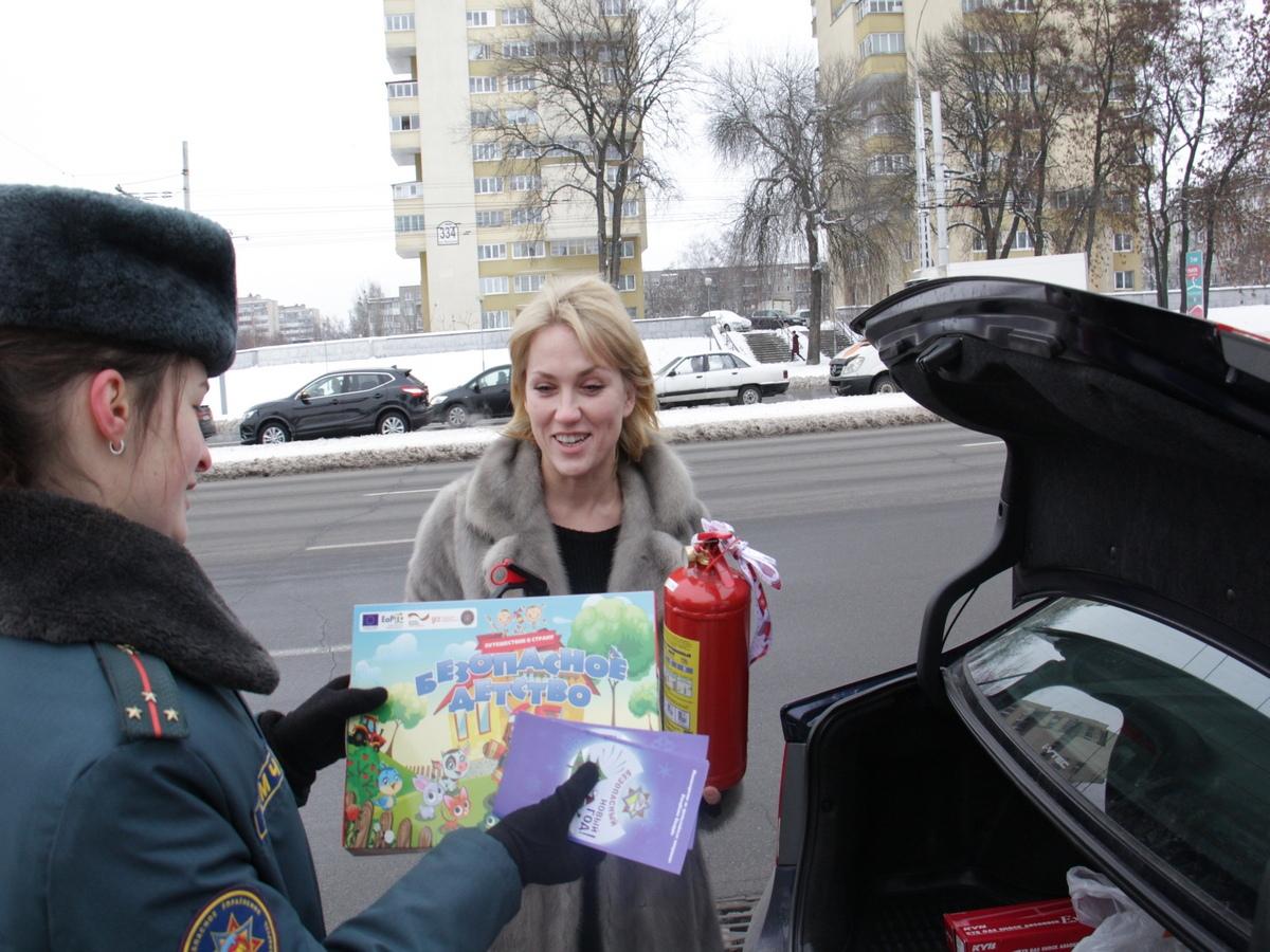 """ГАИ и МЧС провели совместную профилактическую акцию """"Безопасный автомобиль!"""""""