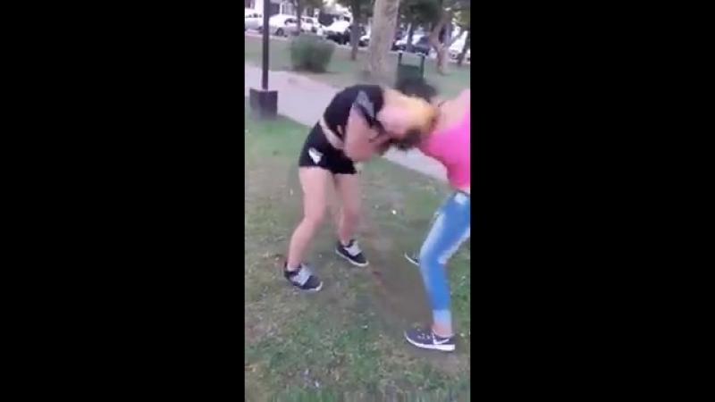 (2) Pelea de chicas - YouTube