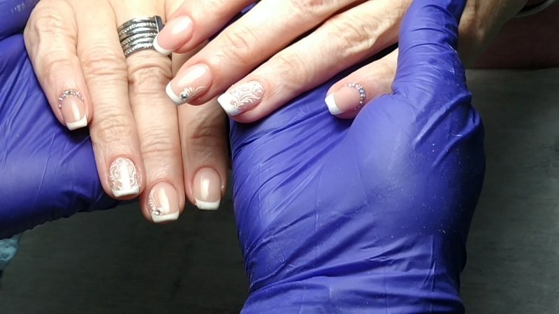 Френч от Azzzummi.nails