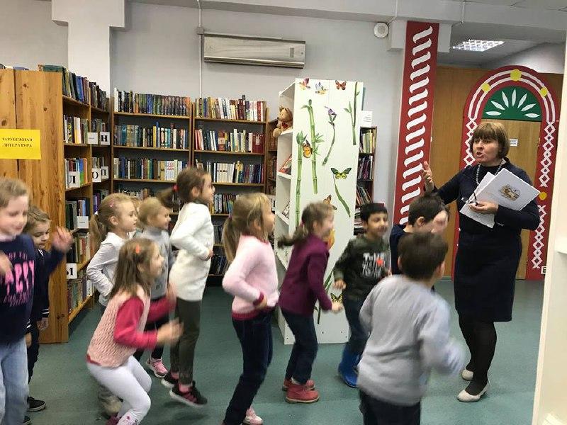 Для детей провели экскурсию по библиотеке в Савеловском