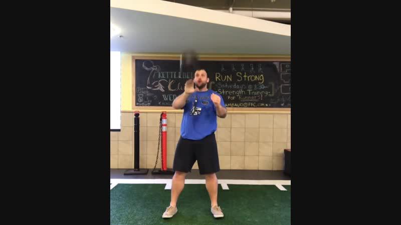 Жонглирование с тройным вращением гири 24 кг видео rhinostrength