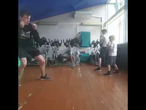 Занятие Kickboxing kids с Владимиром Шутовым