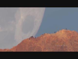 Гигантская луна
