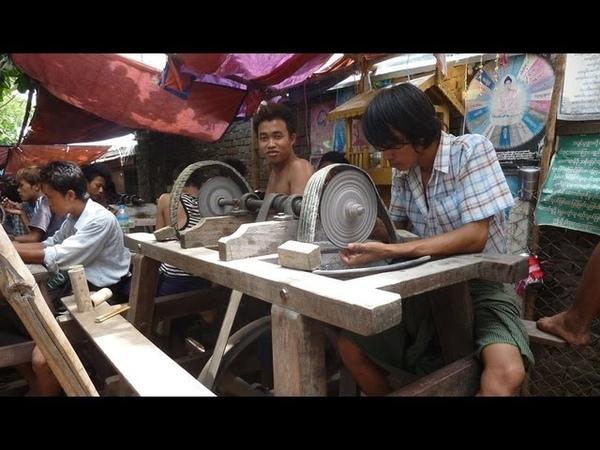 Myanmar ( Burma ) 2013, Mandalay, Jade - Market Jade - Process, Shan State !