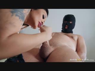 Kaylani lei - handle the vandal [brazzers. big tits, blowjob, milf, mom]