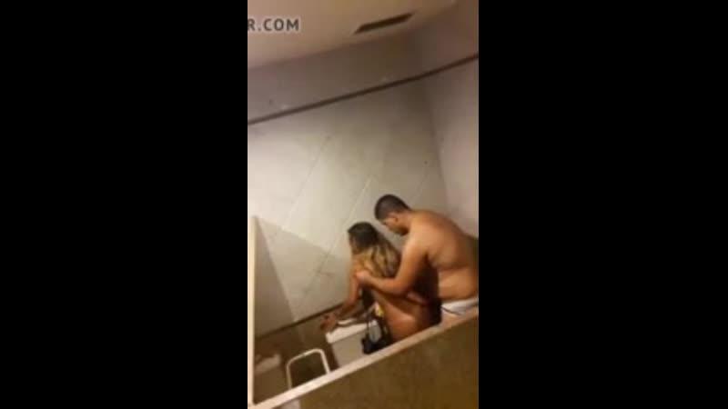 strastno-v-tualete