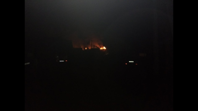 Открытым пламенем полыхало 720 квадратных метров