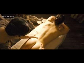 Одри Тоту (Audrey Tautou) голая в фильме «Долгая помолвка» (2004)