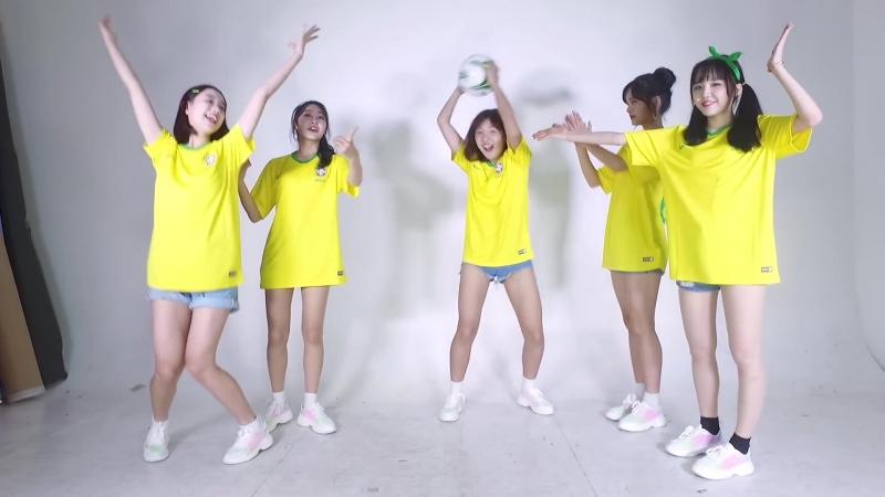Play with Busters Ball bouncing Eng sub 버스터즈와 놀자 공차기 게임