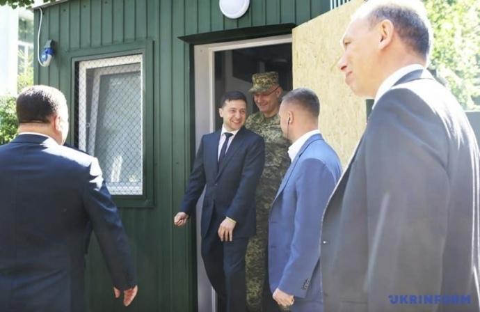 Зеленский шокировал военных своими действиями: что произошло?
