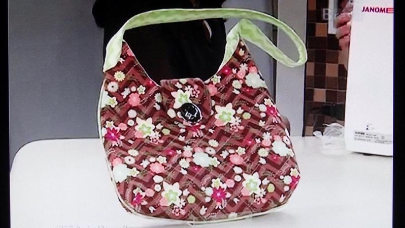 Bolsa de tecido Mary Anna. Easy and beautiful fabric bag. Make this easy fabric and beautiful bag