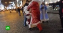 Деды Морозы подрались за место под елкой