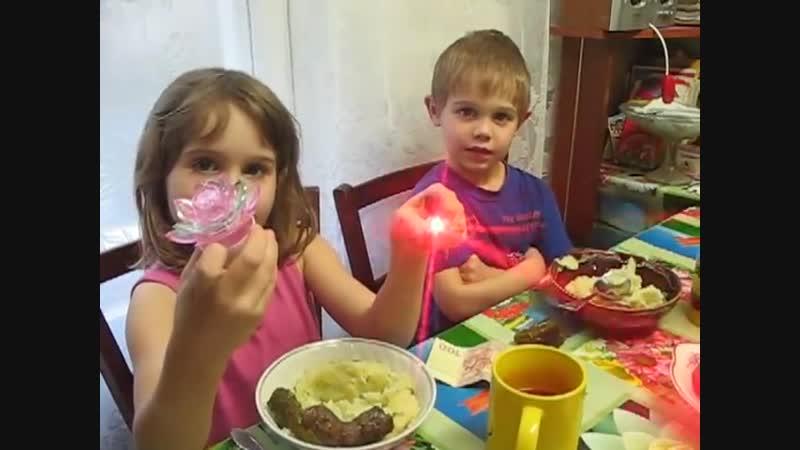 Семья Бровченко. Отпразновали 02.03.14 День варенья дочурки Анечки, ей 7 лет