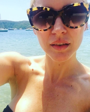 "Tabrett Bethell on Instagram: ""Swimmies 🐬"""