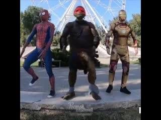 Известные супергерои станцевали на театральной площади ростов-на-дону главный
