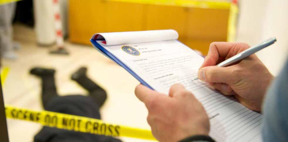 ДНК-тесты могут идентифицировать подозреваемых на месте преступления.
