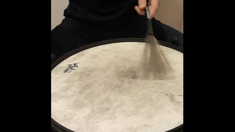 Video 1 Windshield wiper brush motion