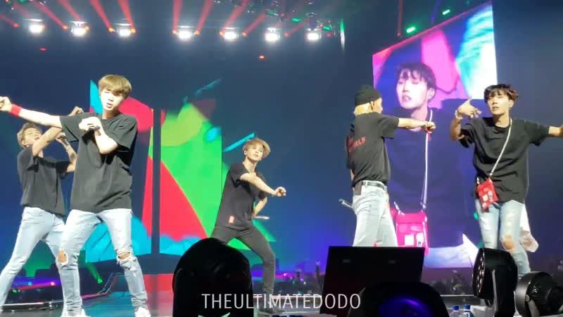180923 Anpanman @ BTS 방탄소년단 Love Yourself Tour in Hamilton Fancam 직캠