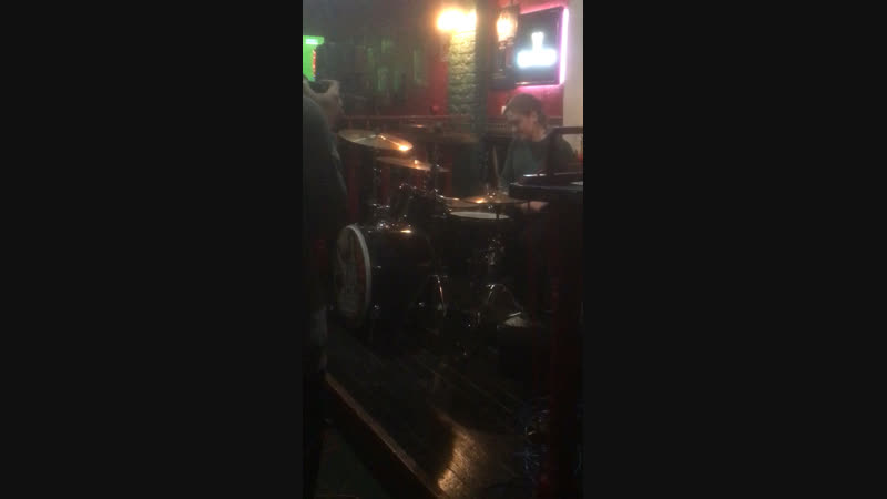Отрывок концерта Harat's pub