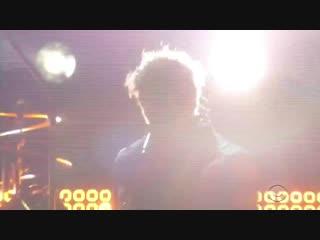"Post malone и red hot chili peppers исполнили треки ""stay"", ""rockstar"" и ""dark necessities"" на церемонии ""грэмми"" [nr]"