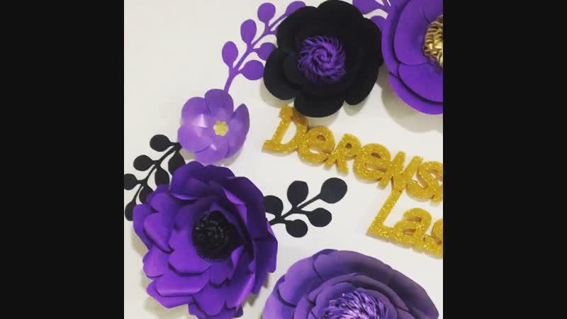 Оформление студии цветами из дизайнерской бумаги