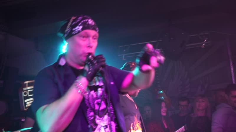 Гр. Кадры (cover гр. Король и Шут) рок-клуб Machine Head - Проклятый старый дом.