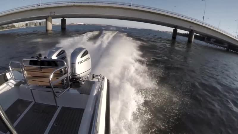 Алюминиевый морской катер XO 270 RS Cabin OB с подвесными моторами.