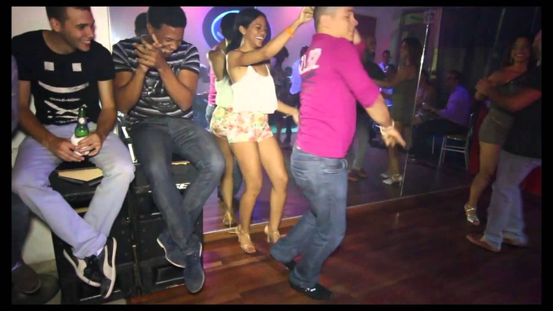Xiona y Romel dance Bachata @ Club On2