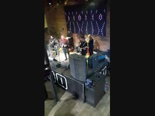 Вот так выглядит концерт живой кубинской музыки!!