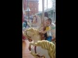 Светик катается на лошадке
