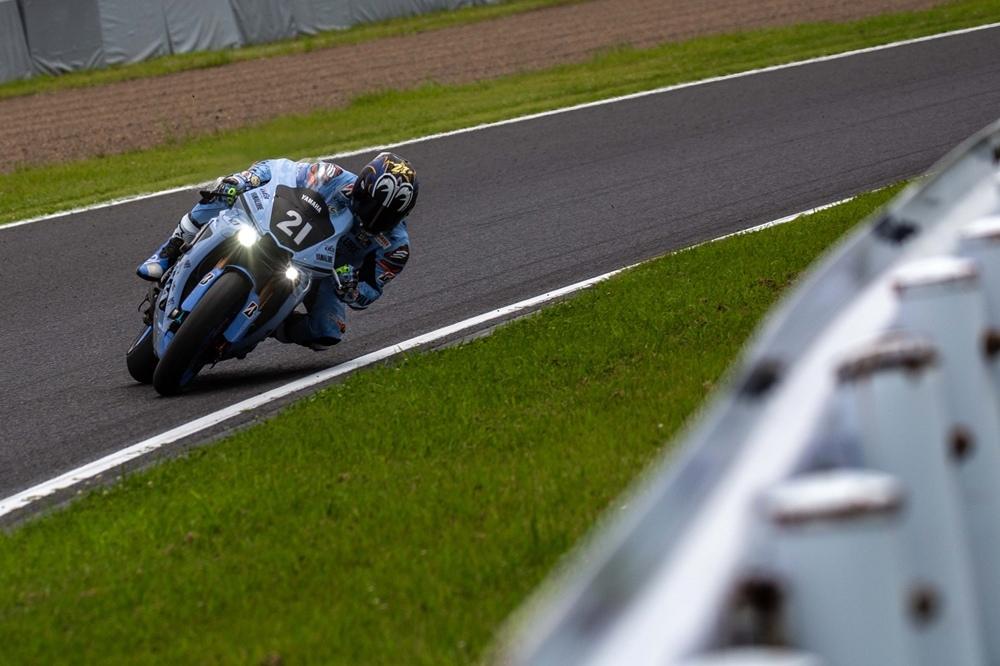Фотографии гоночного мотоцикла Yamaha YZF-R1 Suzuka 8-Hours