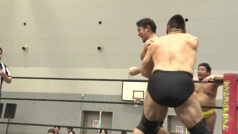 Akito, Gota Ihashi vs. Sanshiro Takagi, Tomomitsu Matsunaga (DDT - Road to Ryogoku 2018 ~ Dramatic Dream Tor no Shiun)