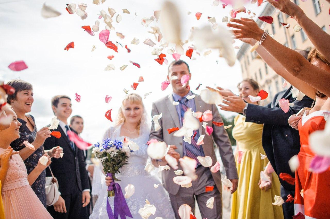1vvxhuDT59E - Как продвигать услуги ведущего свадеб в социальных сетях